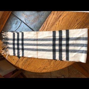 "Burberry scarf- cashmere, navy & cream 48""x8"""